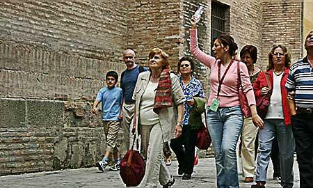 """turismo:-federagit-confesercenti-in-audizione-al-senato,-""""fondi-per-guide-e-accompagnatori-turistici-insufficienti,-serve-ristoro-adeguato"""""""