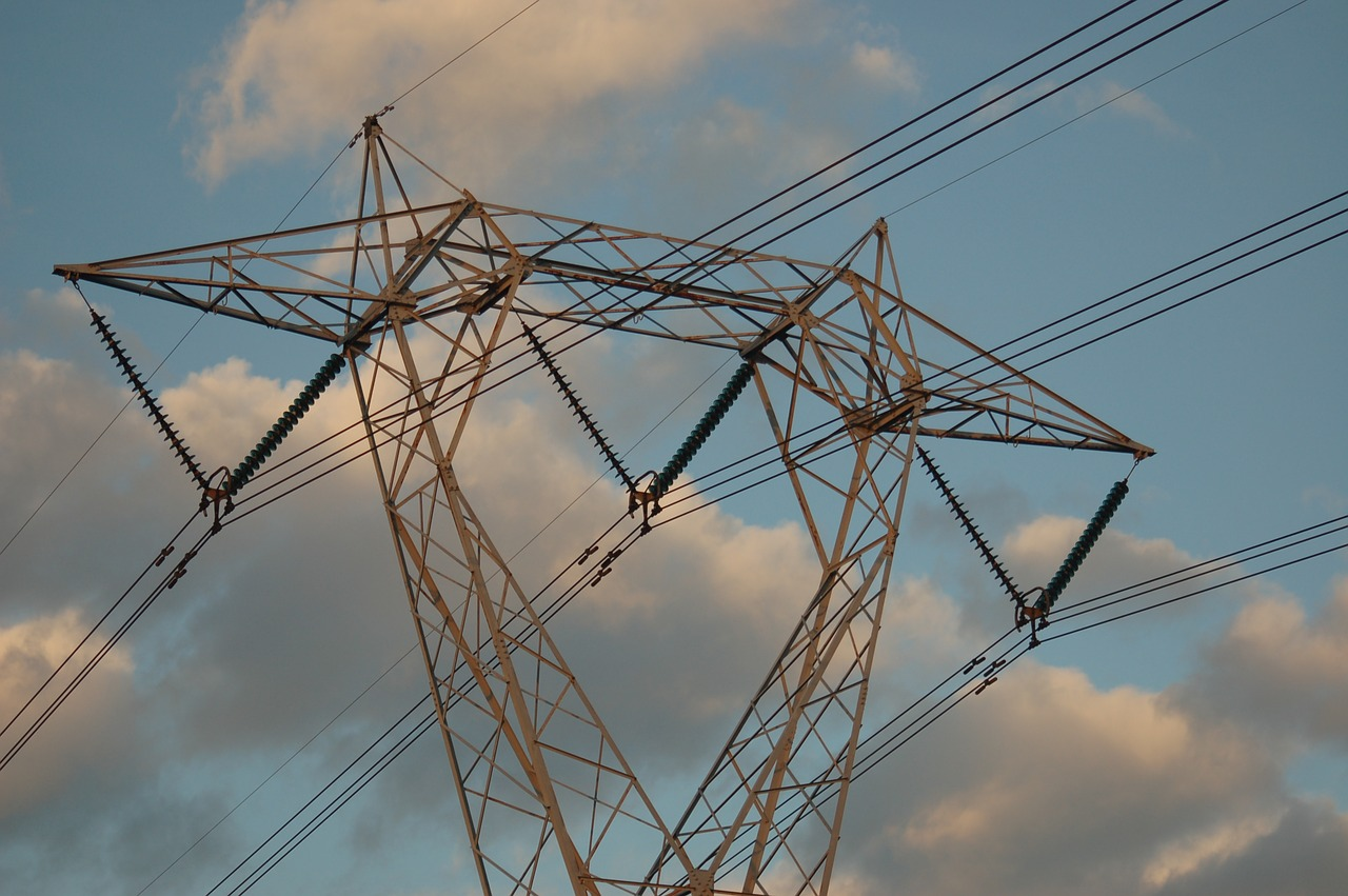 Elettricità: piccole imprese, dal 1° gennaio iniziato il passaggio obbligatorio al mercato libero
