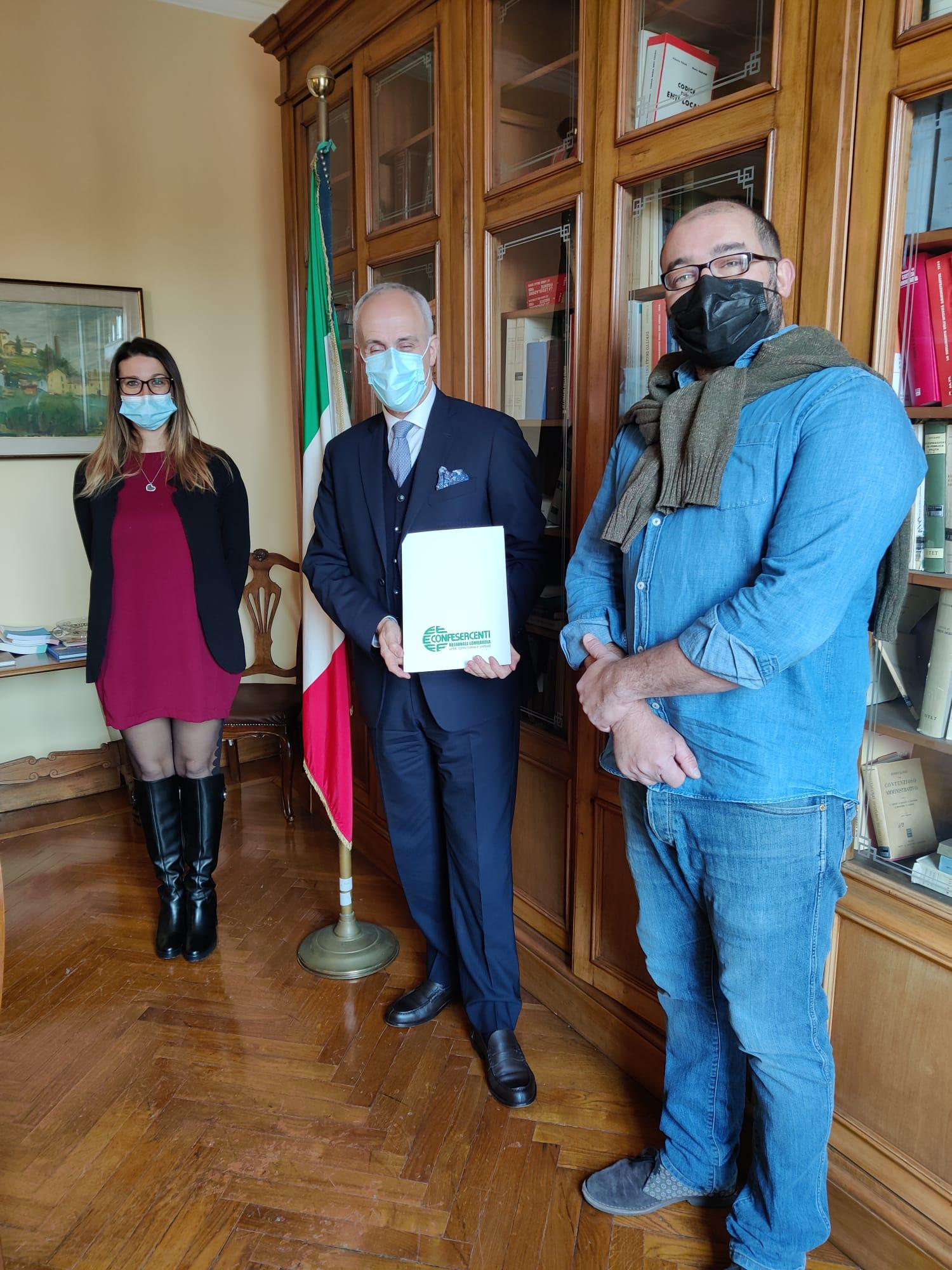 Confesercenti Lombardia, fase 3: basta colori per il lavoro, ma solo per la gestione della salute. Incontro con il Prefetto Caputo