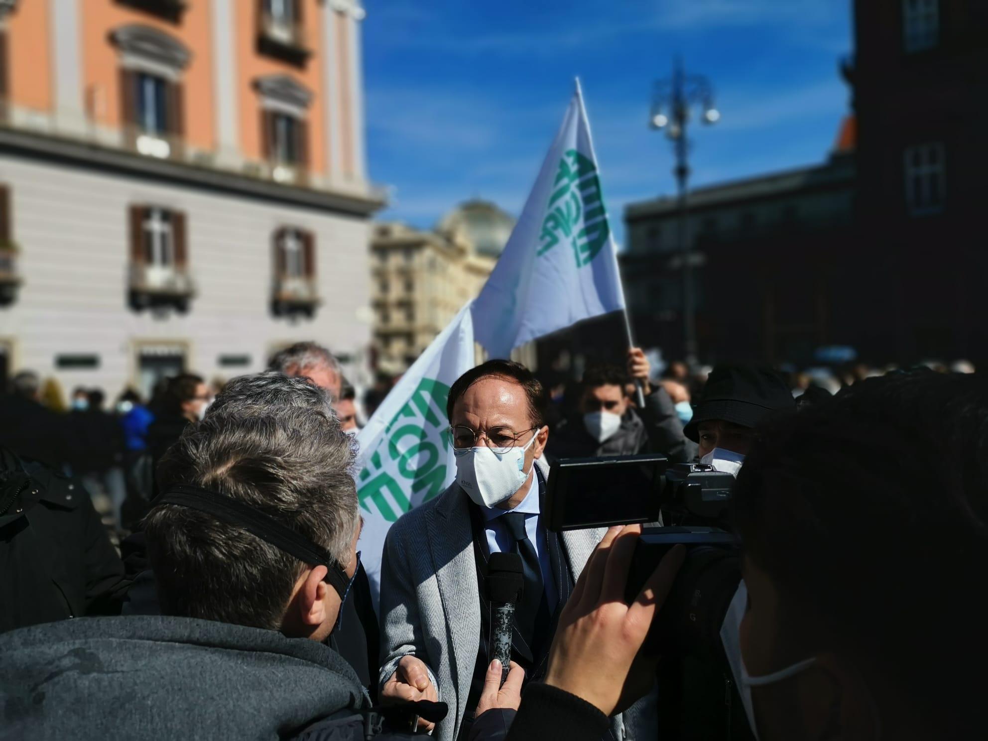 Confesercenti Campania: No a nuove chiusure, altrimenti sarà un massacro
