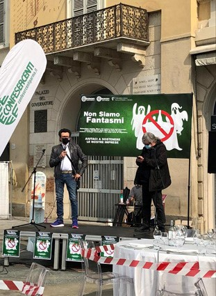 """Anche Fiepet Confesercenti Modena in piazza a Parma: """"Le restrizioni del nuovo decreto mantengono la chiusura per più della metà di bar e ristoranti in regione"""""""