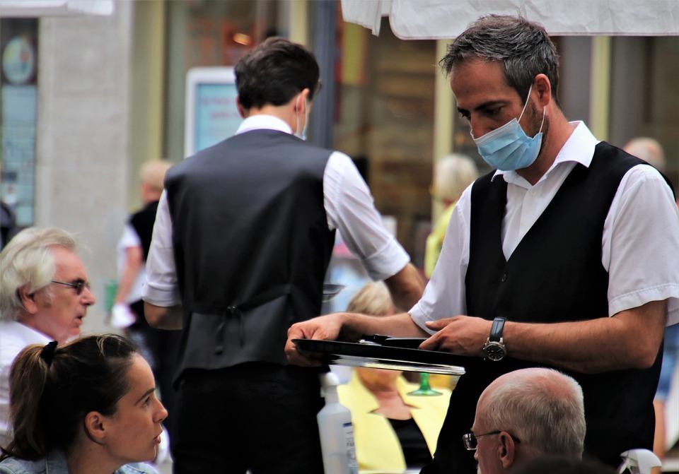 """Confesercenti Torino: """"Bar e ristoranti, la vera ripartenza sarà domani ma mancano cuochi e camerieri"""""""