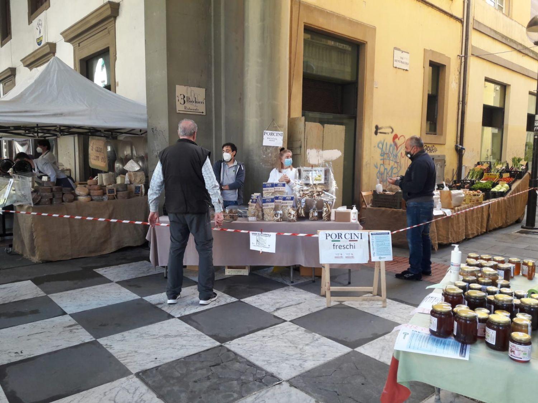Confesercenti Arezzo: torna il Mercatale sotto i portici di via Roma