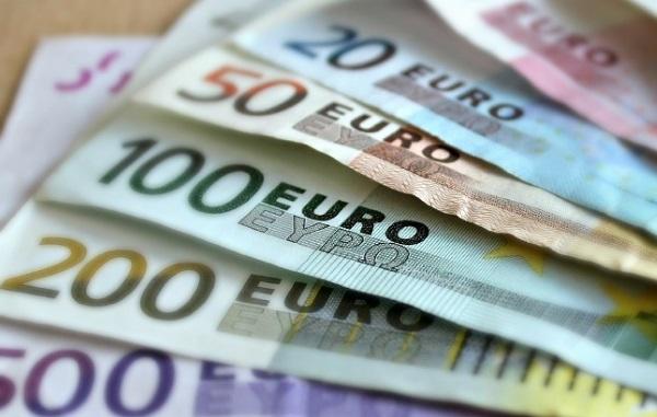 Studio Inps-Agenzia Entrate-Bankitalia: in 2020 erogati 8,9 miliardi a lavoratori indipendenti