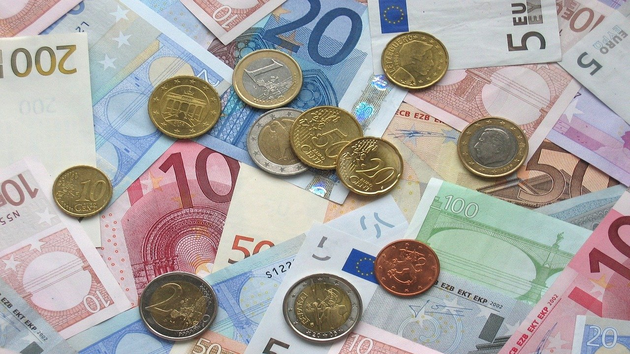 Quattordicesima: Confesercenti-SWG, gli italiani investono nel turismo. In arrivo 6,8 miliardi, quasi 2 miliardi alle vacanze