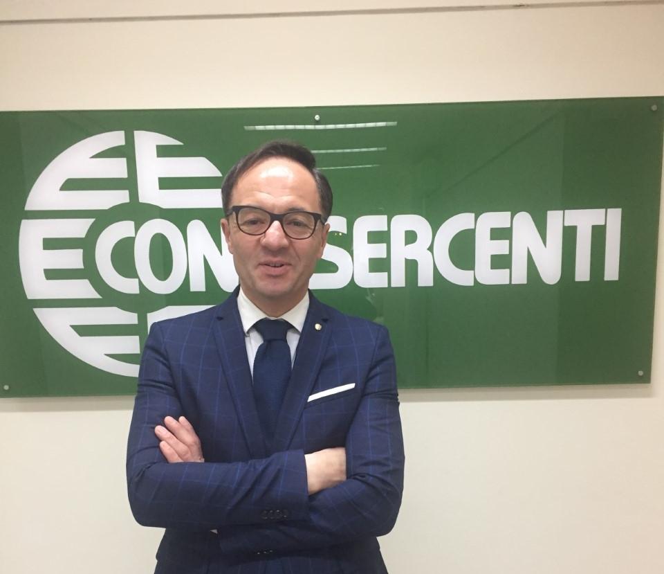 Confesercenti Campania: «L'estensione del green pass dal 1° settembre è un fardello per il turismo, chiederemo sostegni al governo»
