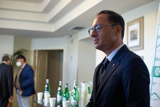 Confesercenti Campania: operatori turistici danneggiati dall'Ente Parco Vesuvio, persi migliaia di turisti. In Campania bruciati già 900 milioni